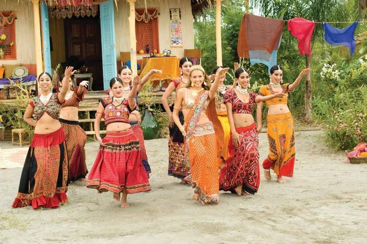 Jessica Alba Dance Still In Saree