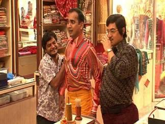 Aamir Khan as Barber Fun Still