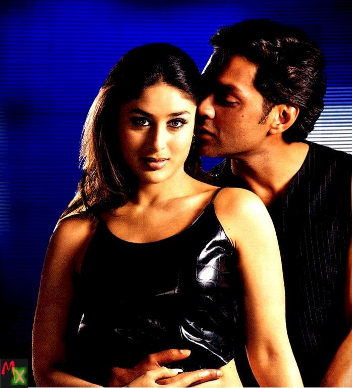 Kareena and Bobby Deol in Ajnabee Wallpaper