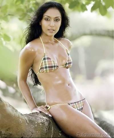 Shweta Salve hot in swimsuit