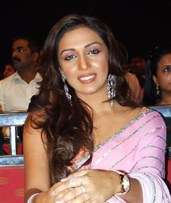 Shweta Salve beautiful look in saree