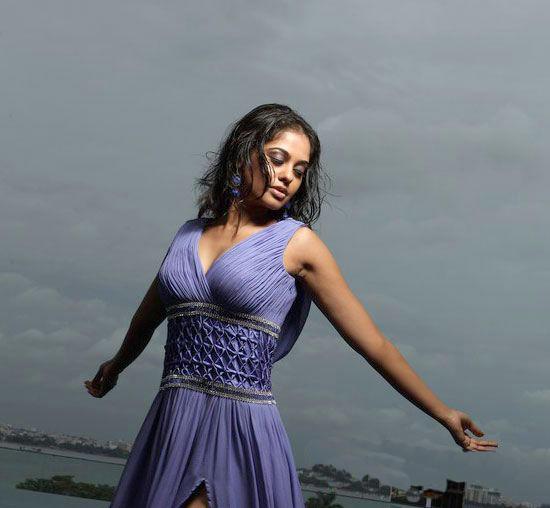 Bindhu Madhavi Latest Sexy Photo Shoot