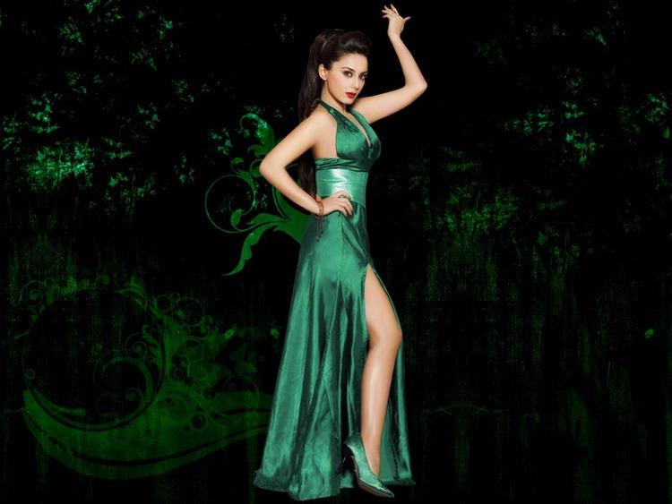 Minisha Lamba Green Dress Hot Wallpaper