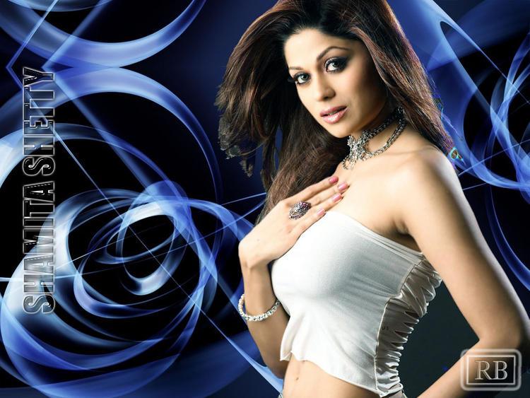 Bollywood Glam Girl Shamita Shetty Wallpaper