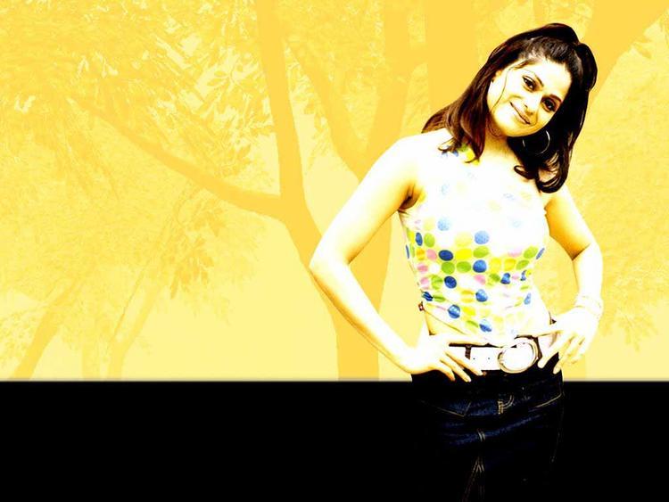 Shamita Shetty Latest Cute Wallpaper