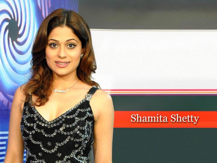 Shamita Shetty Hot Sexy Wallpaper