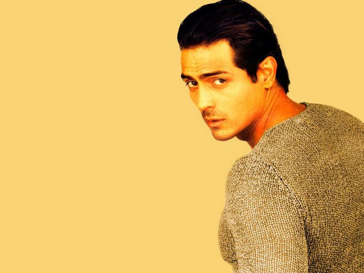 Arjun Rampal Looking Very Gorgeous