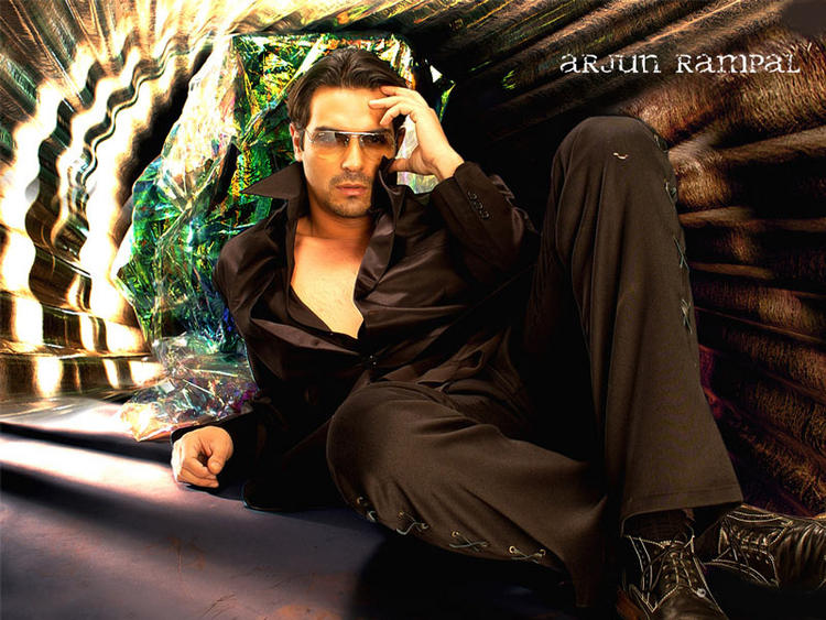 Bollywood Actor Arjun Rampal Stylist Wallpaper