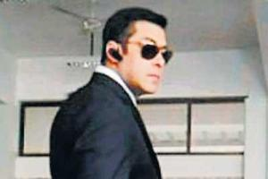 Salman Khan looking handsome in Bodyguard