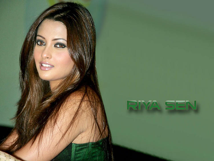 Tollywood Masala Actress Riya Sen Wallpaper