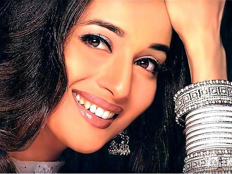 Madhuri Dixit Beauty Smile Wallpaper