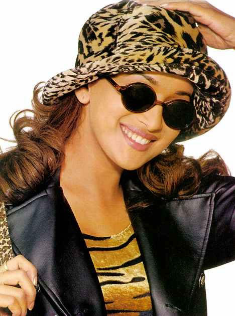 Madhuri Dixit Cute Pose Wallpaper