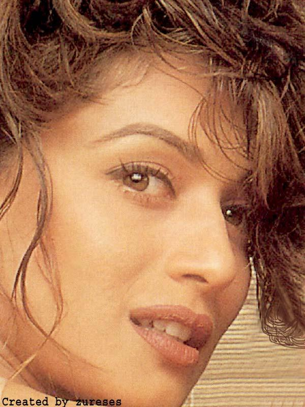 Madhuri Dixit Sexy Face Wallpaper