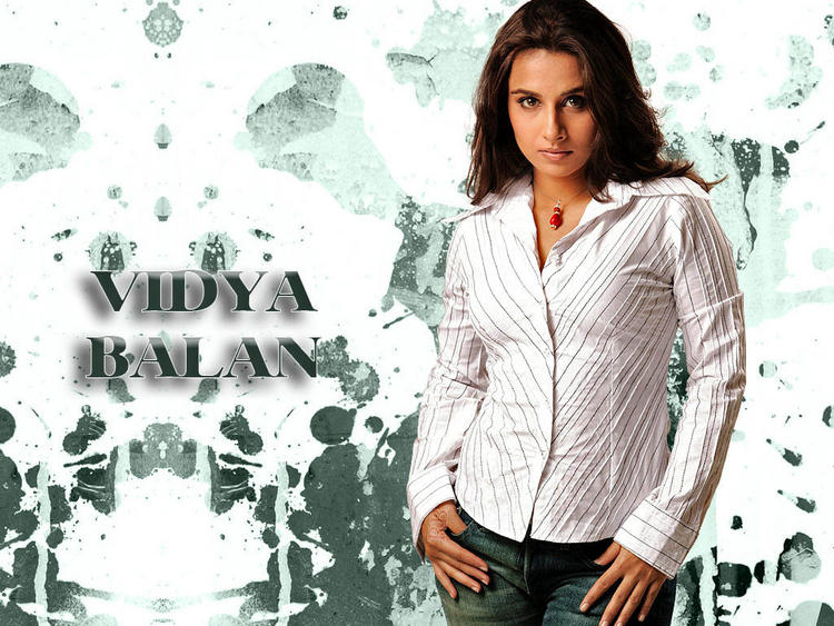 Sizzling Vidya Balan Hot Wallpaper