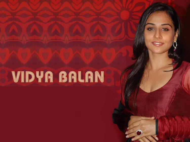 Vidya Balan Glamour Face Look Wallpaper
