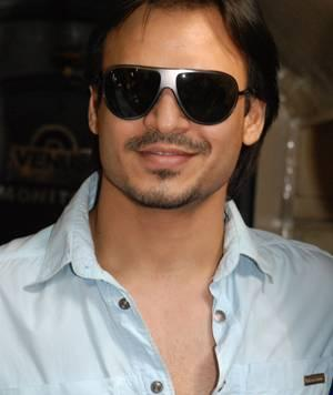 Vivek Oberoi Cute Stylist Look