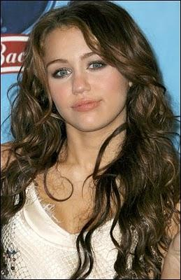 Hot Singer Miley Cyrus Glory Face Pic