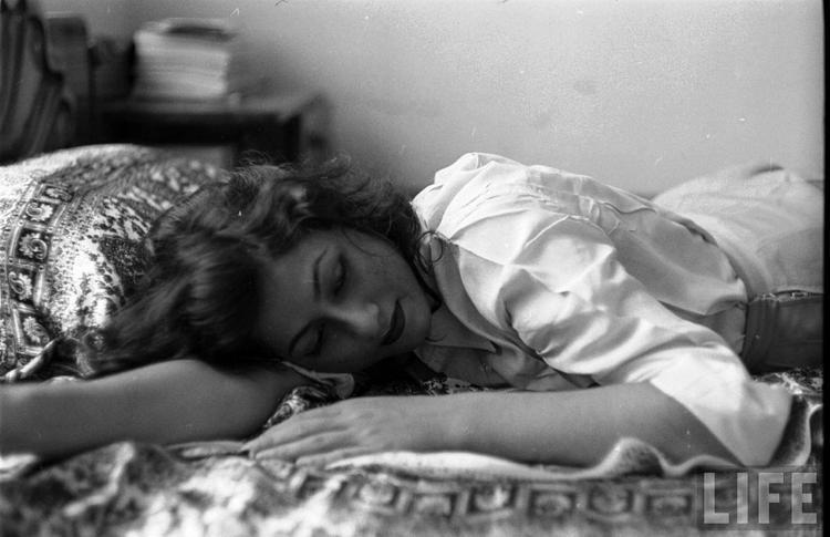 Rare Madhubala Photo - Lying Down