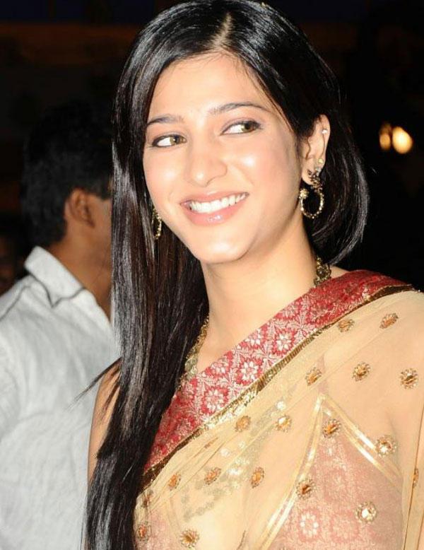 Shruti Hassan Smiling Face Glamour Still