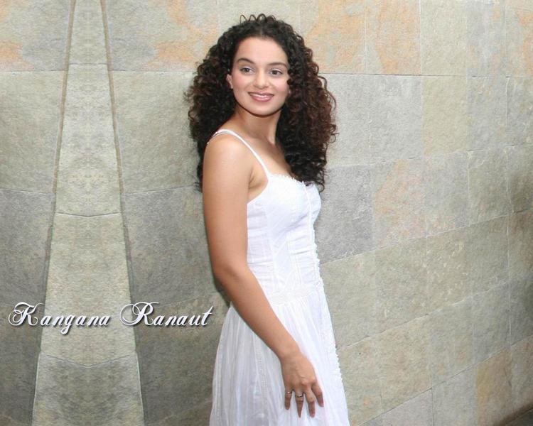Kangana Ranaut with sweet smile