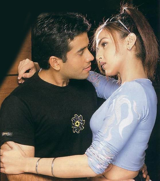 Tusshar Kapoor and Esha Deol Romantic pics