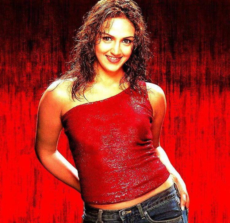 Esha Deol red hot picture