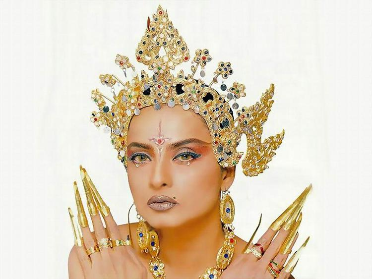Sexy eyes Rekha hot pictures