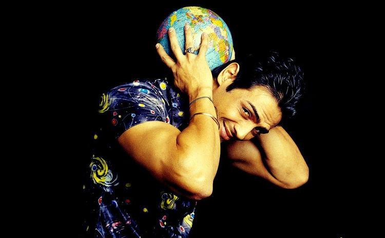 Arjun Rampal taking globe