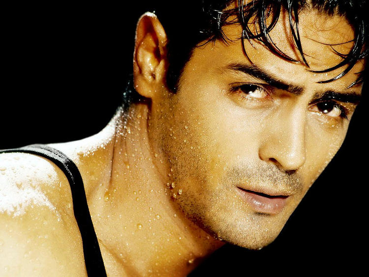 Arjun Rampal hot face look