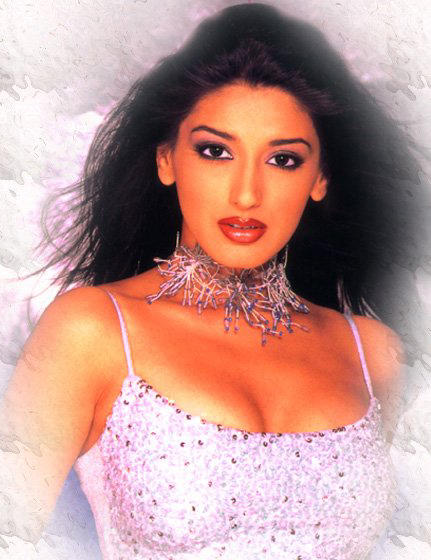 Glorious Sonali Bendre hot wallpaper