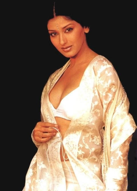 Sonali Bendre spicy wallpaper