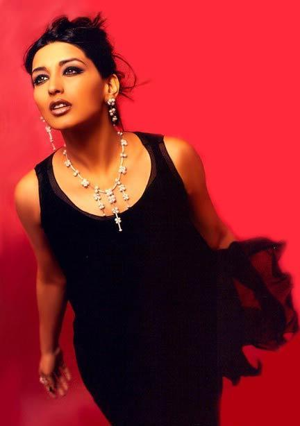 Sonali Bendre in black hot wallpaper