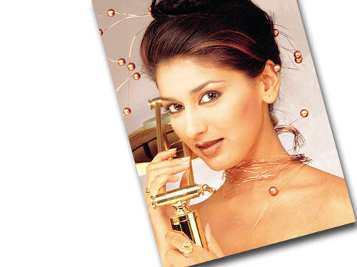 Sonali Bendre Latest Wallpaper