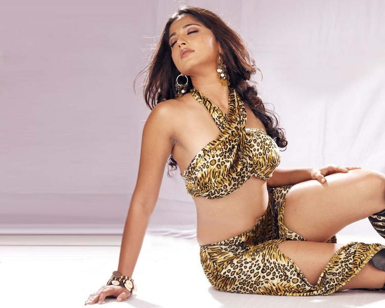 Anushka Shetty hottest photoshoot