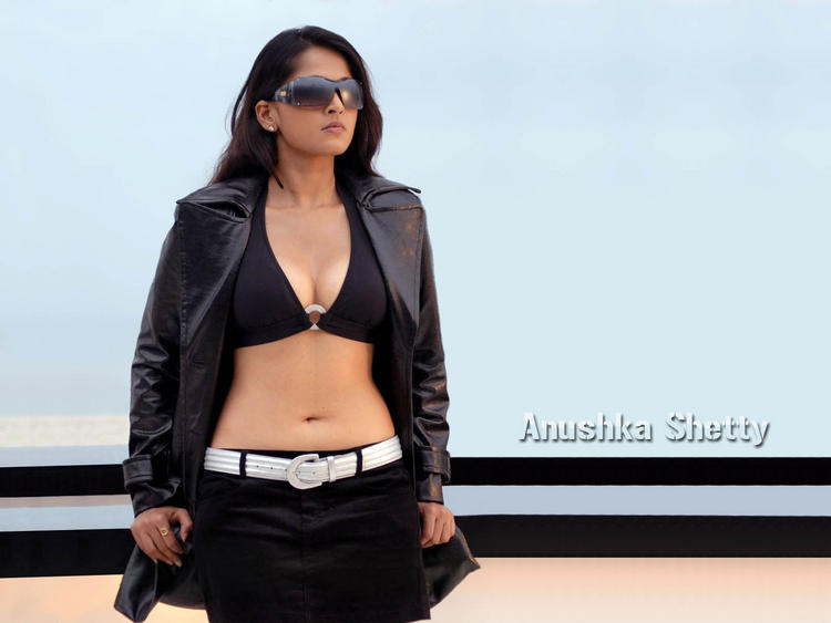 Anushka Shetty hot and sexy pics