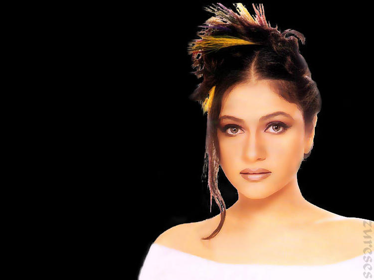 Gracy Singh hot Wallpaper