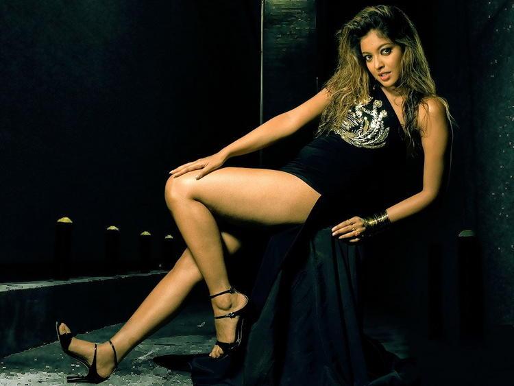 Tanushree Dutta hottest and sexiest wallpaper