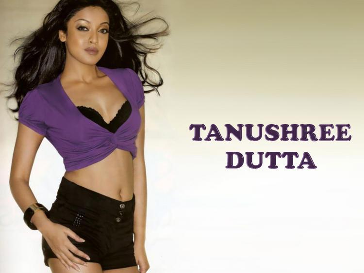 Tanushree Dutta latest sexy wallpaper