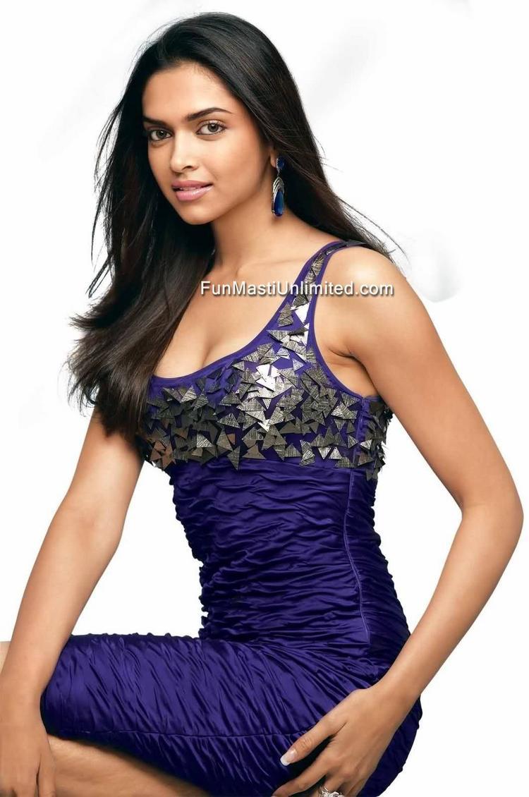Deepika Padukone Hot Desi Boyz