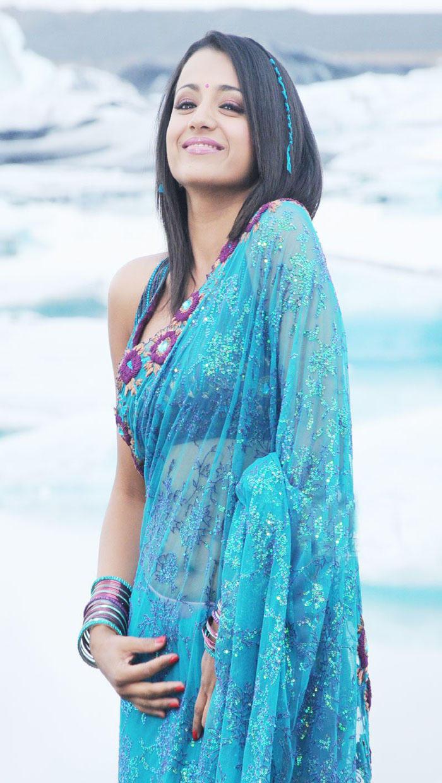 Trisha Cute pics in Blue Saree
