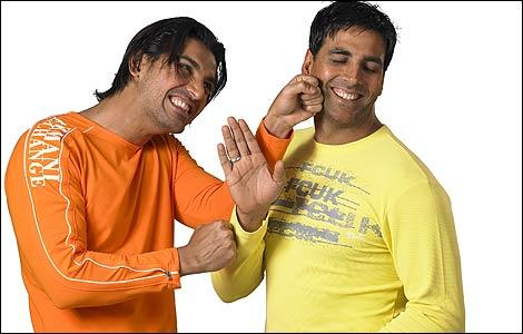 Akshay and John in Desi Boyz