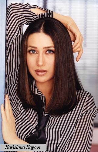 Karishma Kapoor romantic hot look