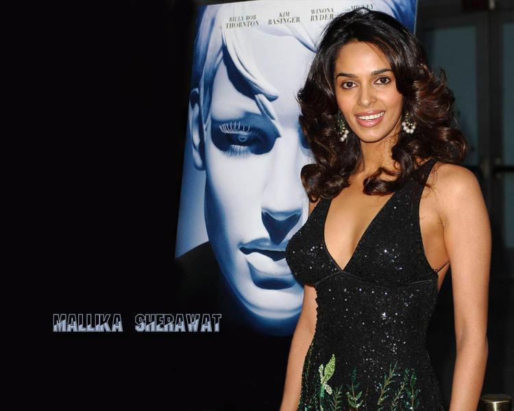 Mallika Sherawat cute smile wallpaper