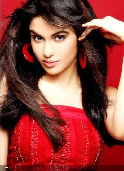 Adah Sharma red hot pics