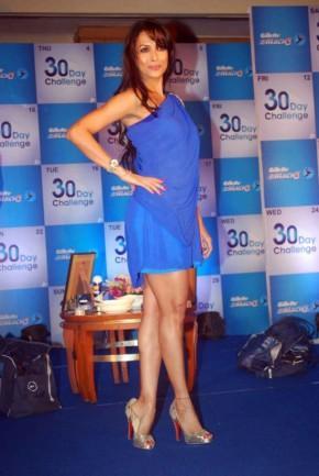 Malaika Arora Khan  sexy legs pics