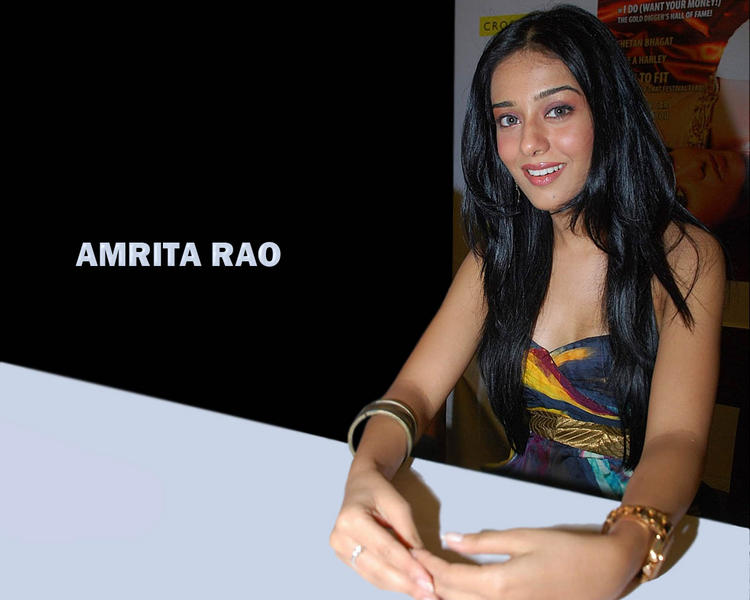 Amrita Rao cute smile wallpaper