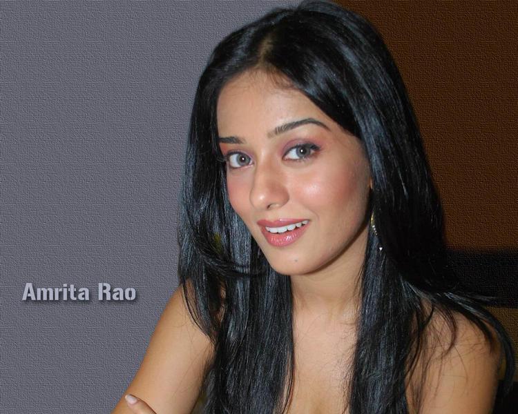 Amrita Rao sweet smile pics