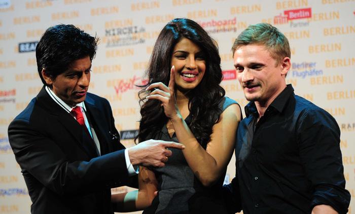 Priyanka Chopra,Shahrukh Khan at Press Conference in  Berlin