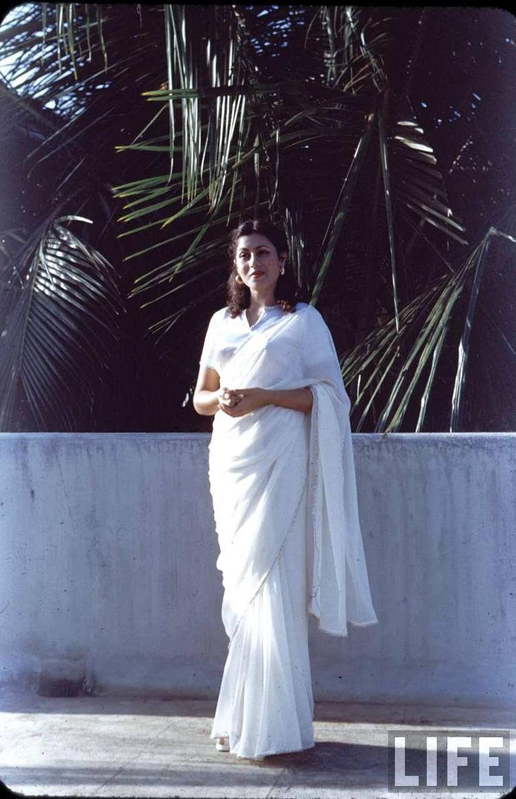 Rare Madhubala Photo - Beautiful white saree