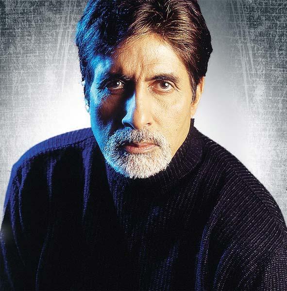 Amitabh Bachchan in Aetbaar
